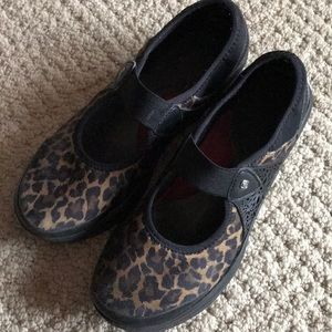Shoes - Comfortable Leopard print Maryjane Flats